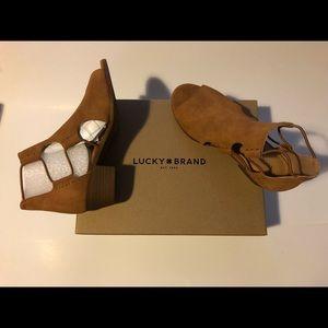 Girls youth kids lucky brand berrete shoe sandal 2